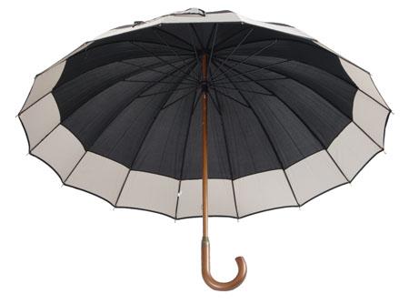Deštník s dřevěnou rukojetí černý
