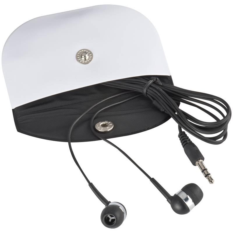 Černá sluchátka v krabici