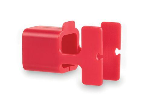 Červený držák na nabíječku s potiskem