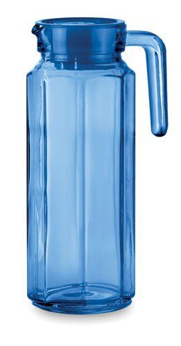 Modrý džbán s plastovým víčkem