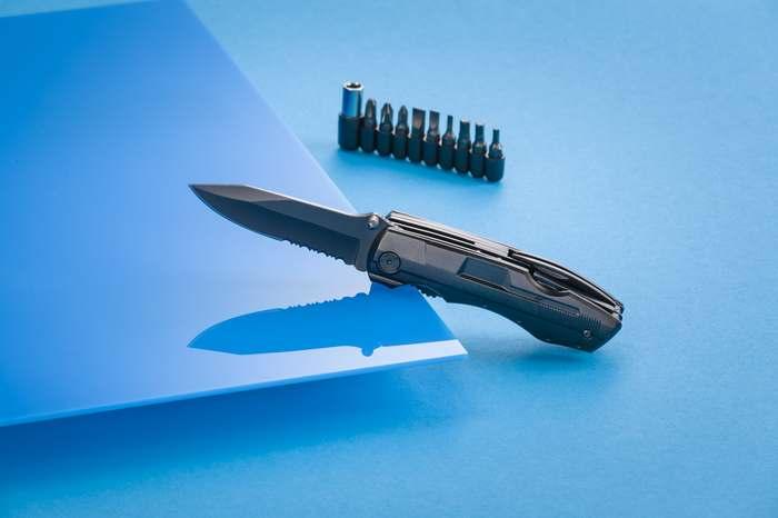 Multifunkční opravárenský nástroj