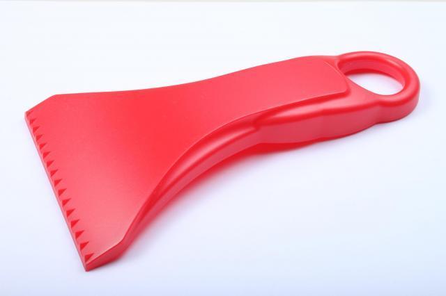 Ergonomická červená autoškrabka