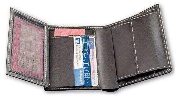 Prostorná peněženka