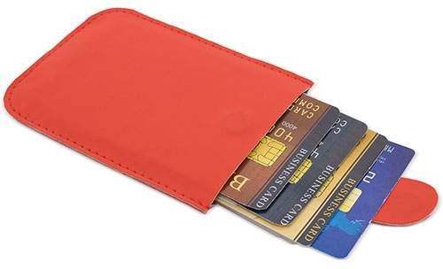 Pouzdro na karty se systémem pro snadné vyjmutí a ochranou RFID, červená