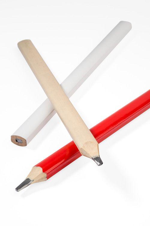 Plochá tužka BOB červená