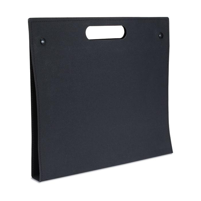 Desky z recyklovaného kartonu černé
