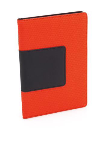 Kyla červené desky