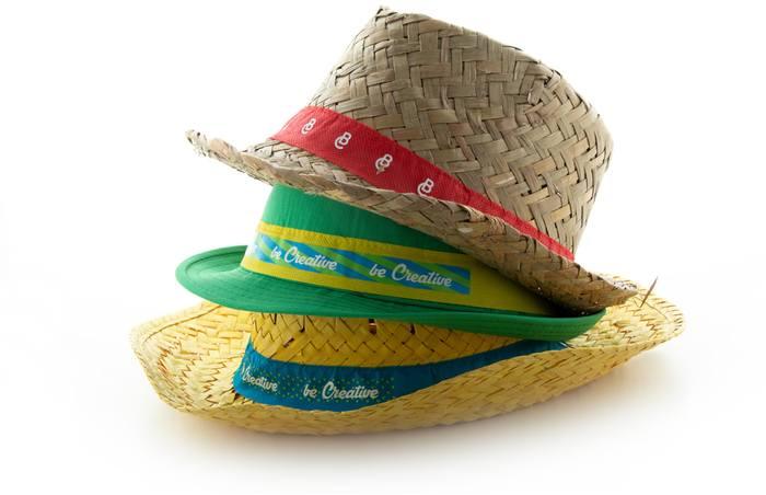 Menas stuha na klobouky